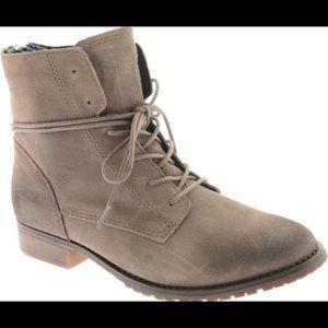 Steve Madden 9.5 Rawlings Boots